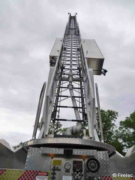 Hme 1500: Used Fire Truck: 1997 HME QUINT