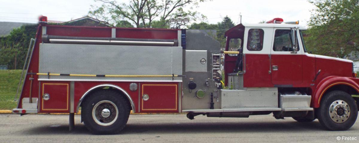 Used Fire Truck  1985 White Volvo 4 Guys